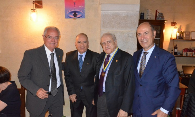 Paul Harris al prof. Francesco Sabatini e al prof. Pasquale Caratù